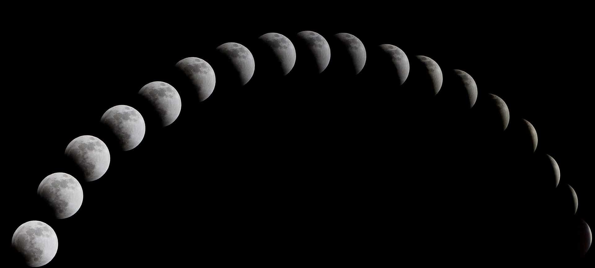multiples lunes sur fond noir excel-fonction-indirect